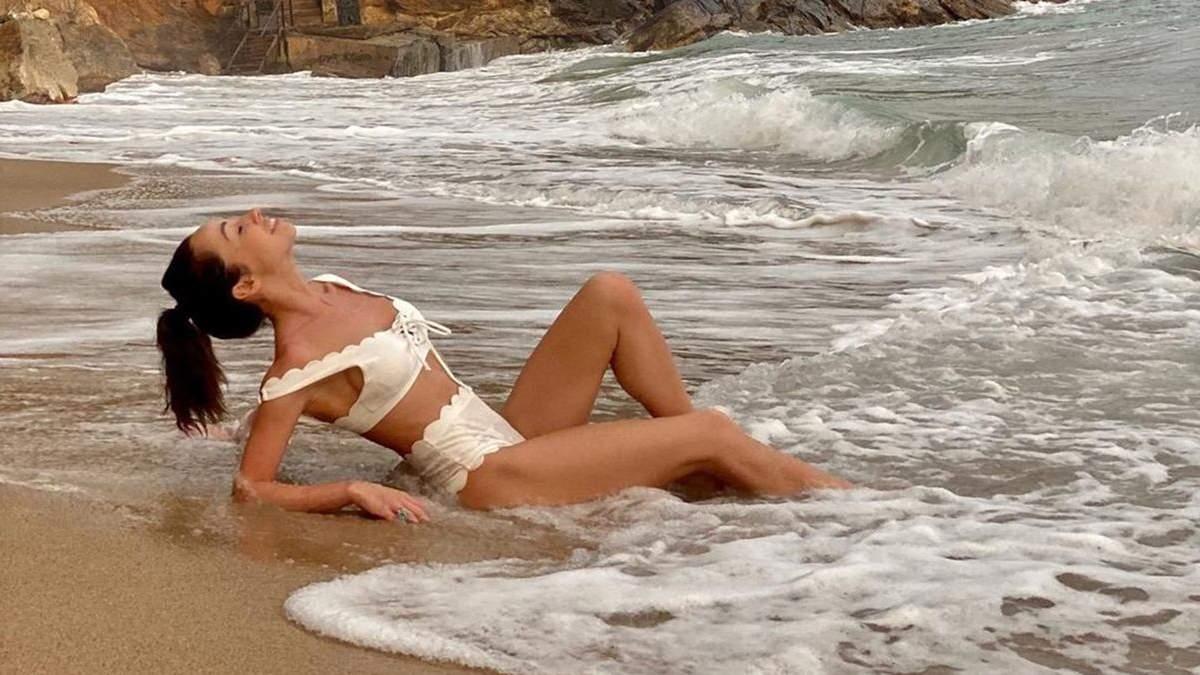 Катерина Кухар знялася у спокусливій фотосесії в купальнику: ефектні кадри зі Шрі-Ланки