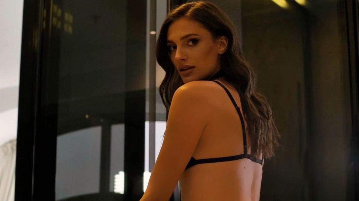 """Фіналістка """"Холостяка-10"""" завела мережу еротичним образом у мереживній білизні: спекотне фото"""