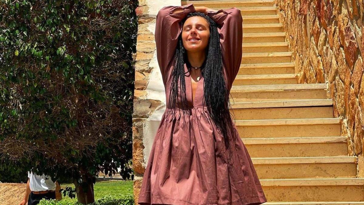 Джамала приголомшила образом в сукні з відвертим декольте: сонячні фото з Єгипту