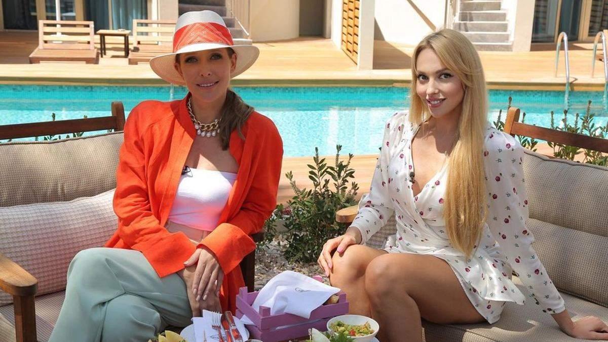 Катя Осадчая посетила Полякову в Турции: фото яркого образа