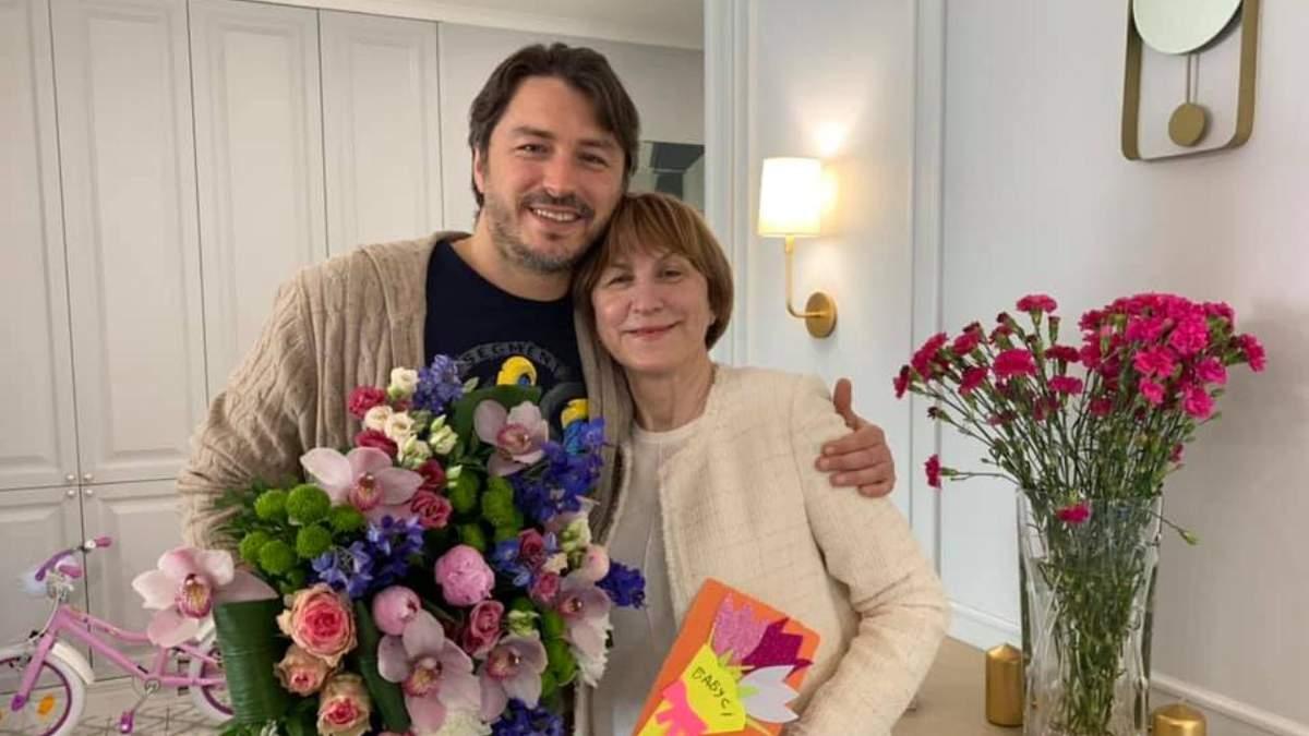 Сергій Притула чуттєво привітав маму з днем народження