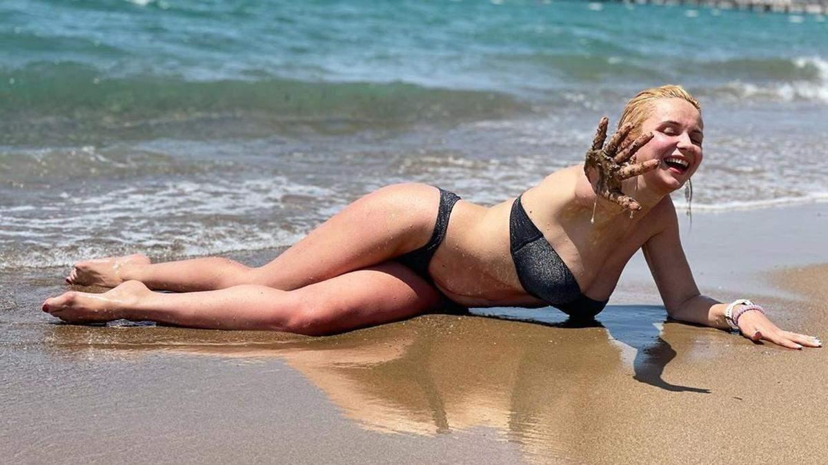Лілія Ребрик показала фігуру в купальнику: фото з Туреччини