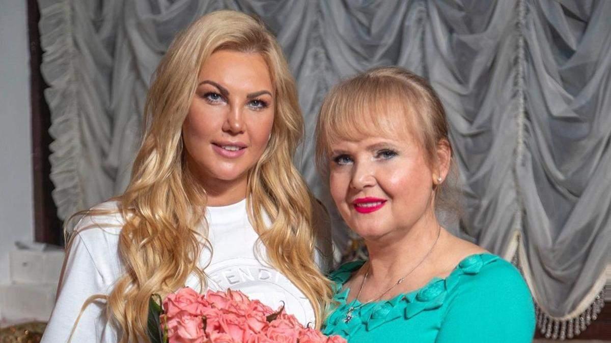 Мама Камалії потрапила в ДТП у Києві: обставини аварії