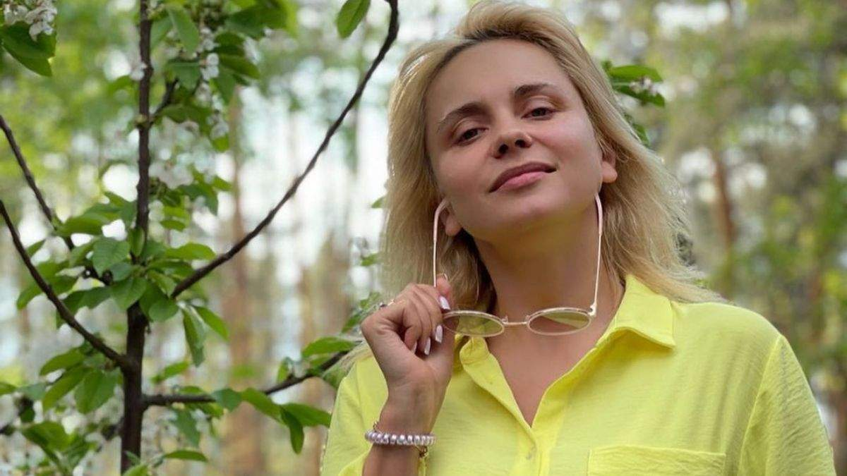 Лілія Ребрик у жовтому костюмі та без косметики: фото