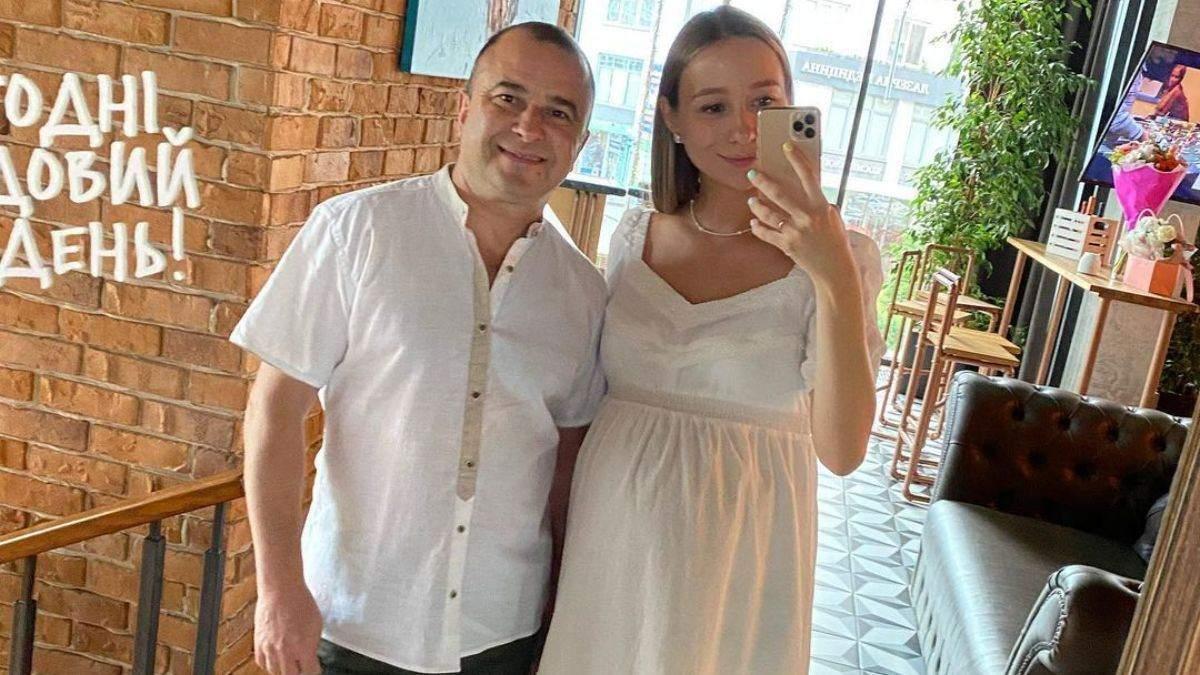 Віктор Павлік та Реп'яхова відсвяткували першу річницю весілля: фото