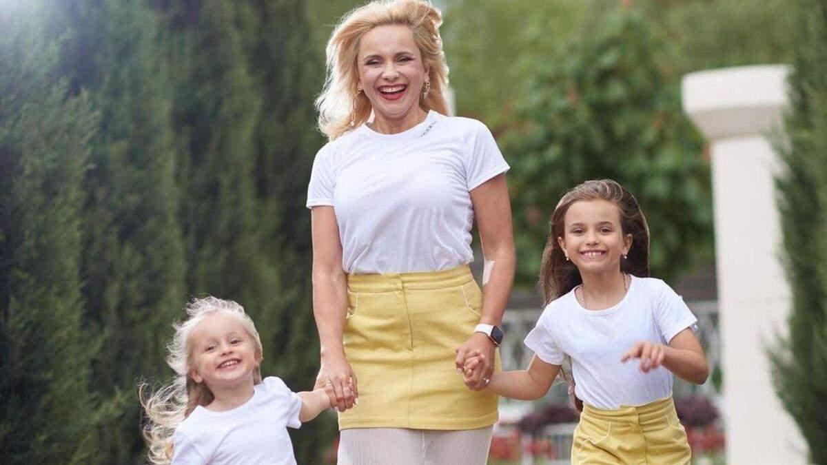 У сімейних look: Лілія Ребрик захопила миловидними знімками з доньками
