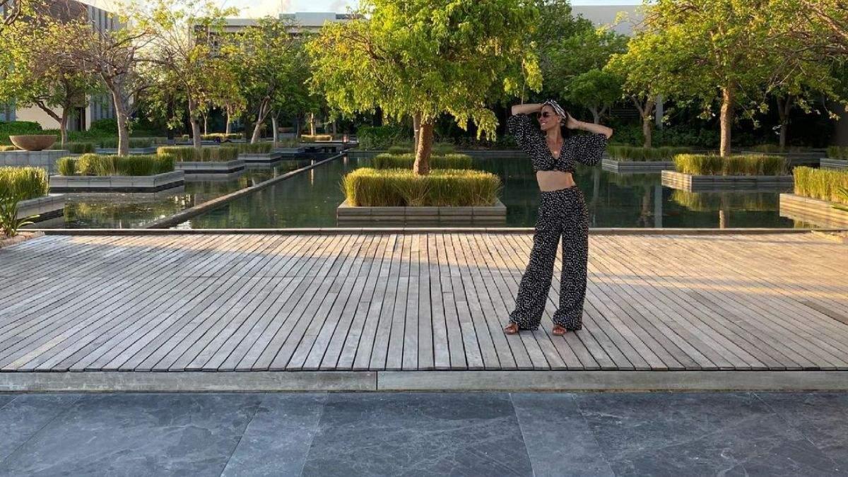Маша Єфросиніна захопила стильним образом в Мексиці: фото