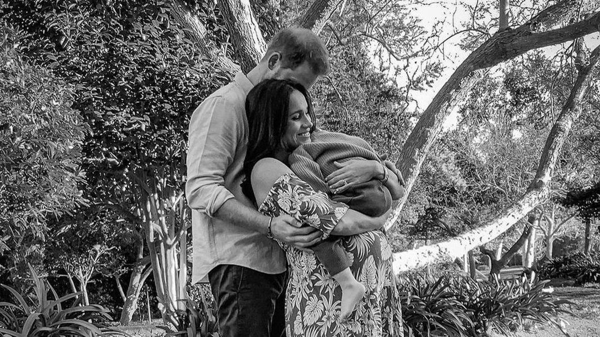 У Меган і Гаррі народилася донька: як вітає королівська сім'я