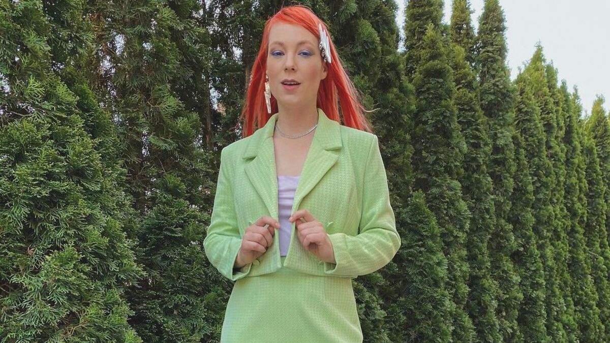 В костюме и с макияжем Светлана Тарабарова поразила стильным образом
