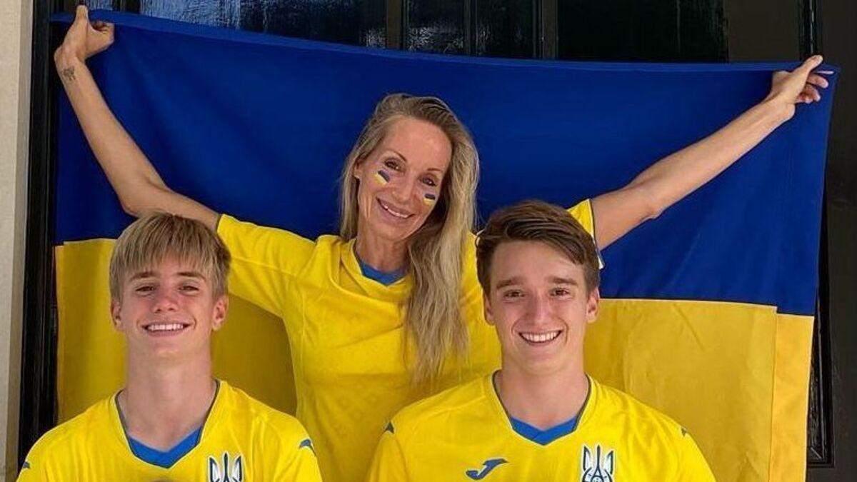 Жены футболистов поддержали сборную Украины: трогательная фотоподборка