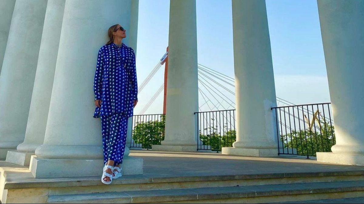 Катя Осадча зачарувала стильним образом в Одесі: фото