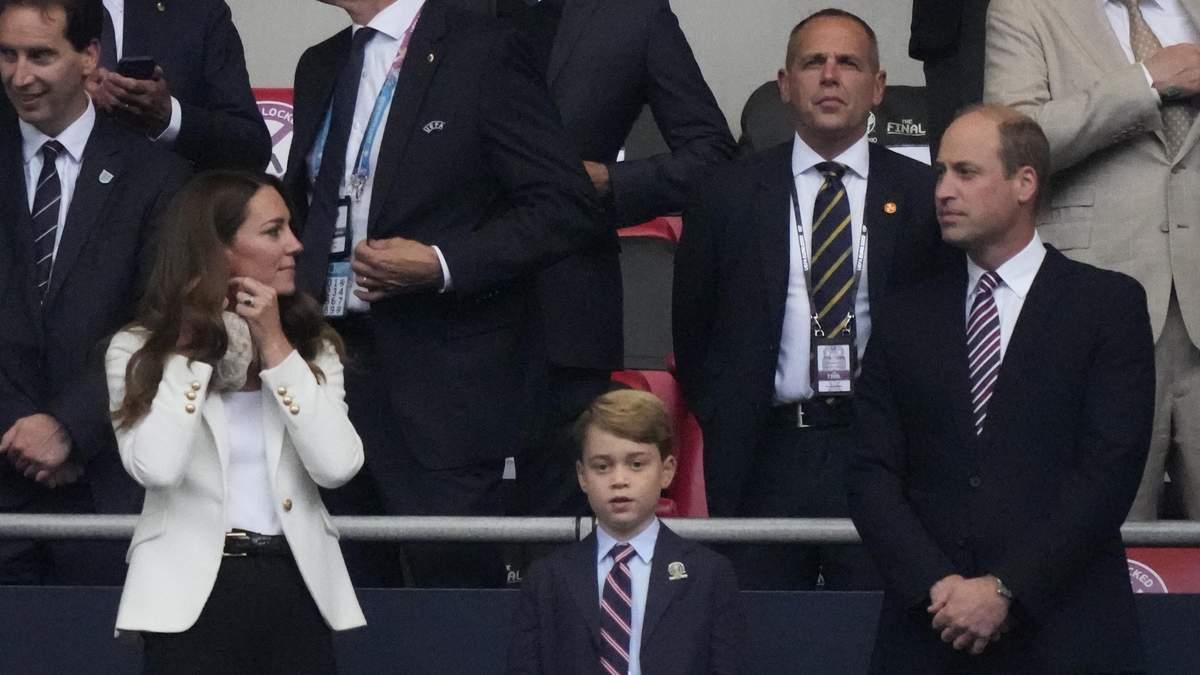 Принц Уильям и Кейт Миддлтон посетили финал Евро-2020 с Джорджем
