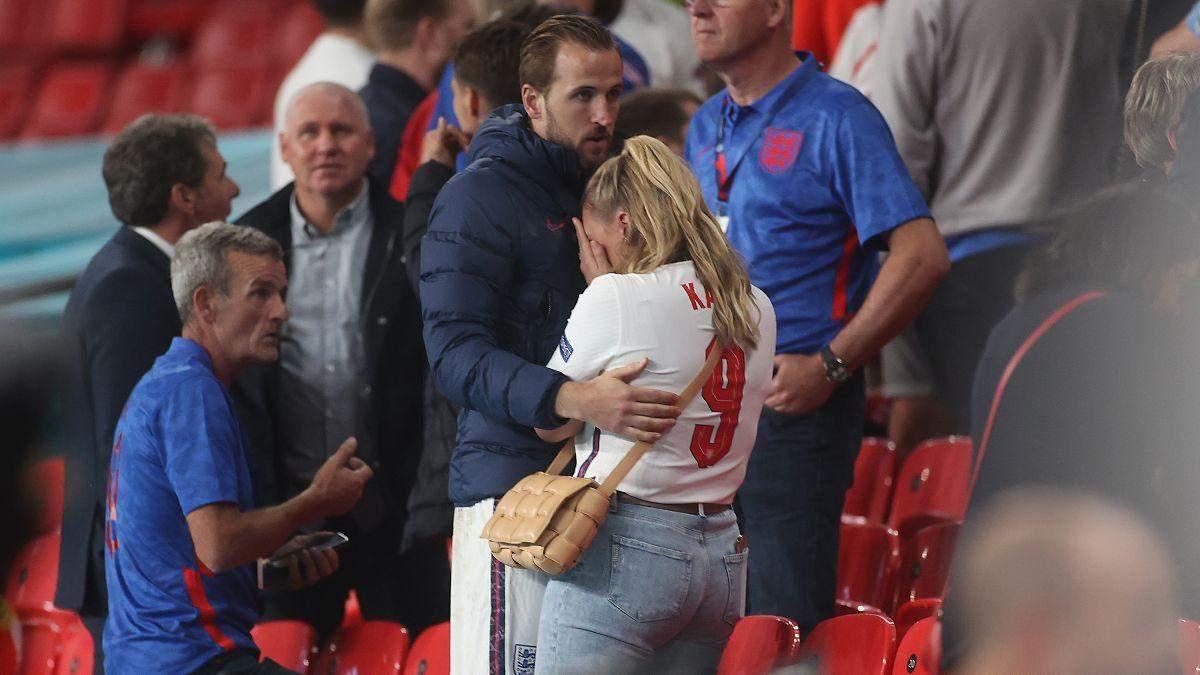 Дружина футболіста збірної Англії розплакалася після фіналу Євро-2020