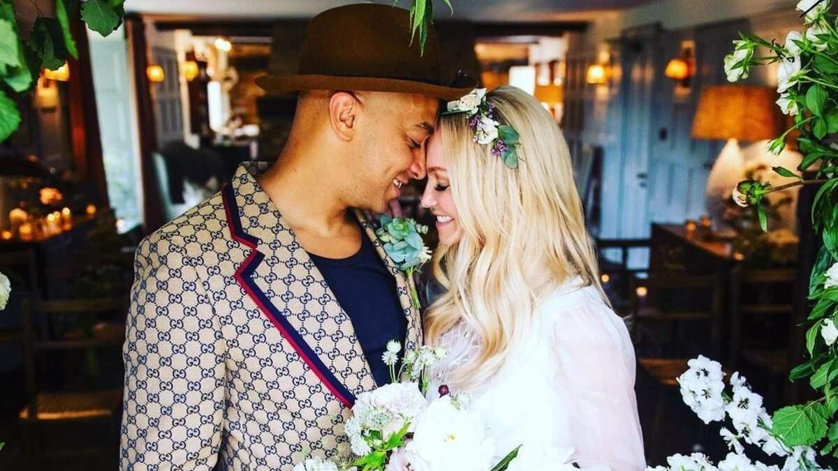Эмма Бантон вышла замуж за Джейд Джонс после 23 лет отношений