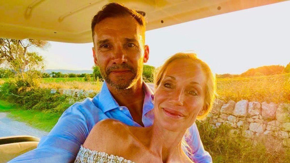 Андрей Шевченко празднует 17 годовщину брака с Кристен Пазик