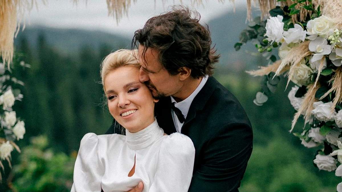 Почему Тарас Цимбалюк не пригласил журналистов на свадьбу в Карпатах