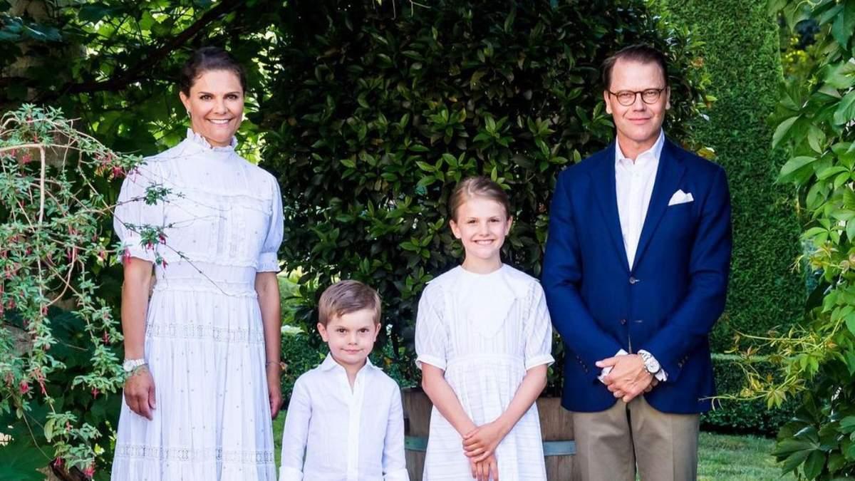 Кронпринцесса Виктория снялась в праздничной семейной фотосессии в честь 44-летия