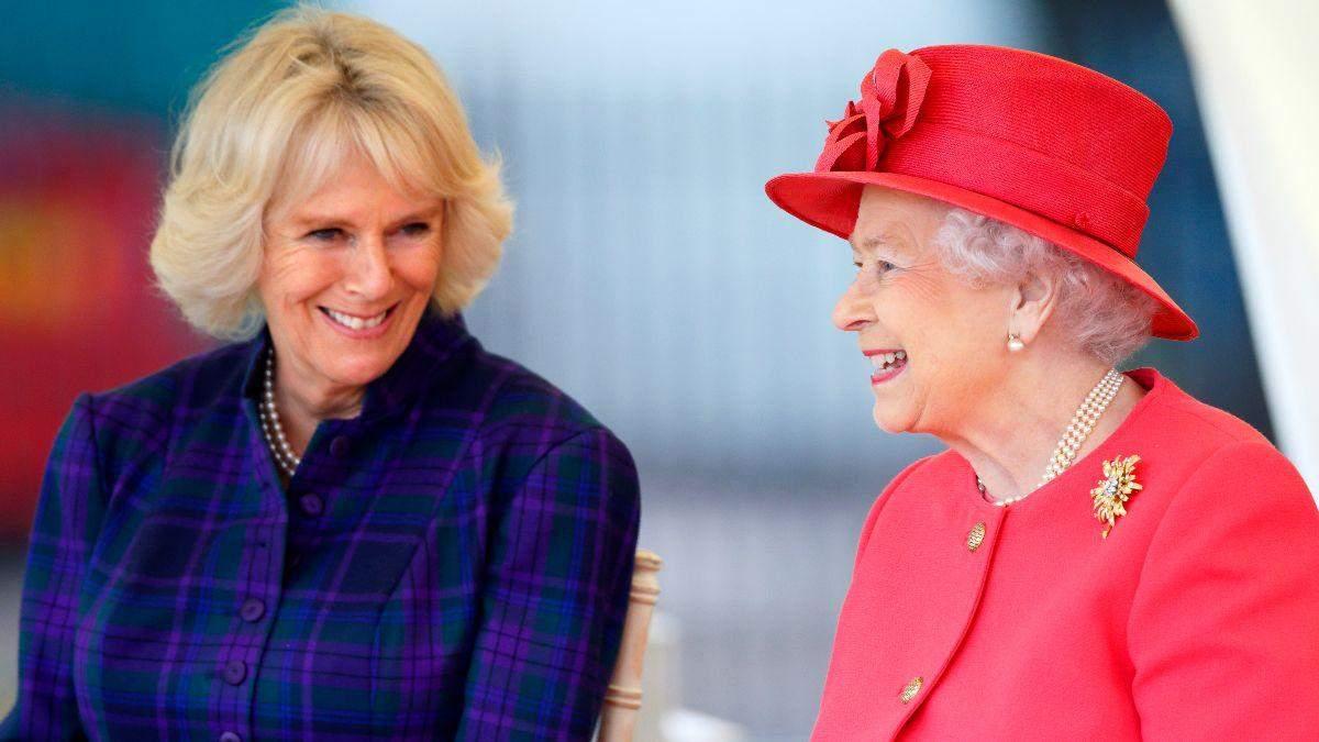 Елизавета II и герцогиня Корнуольская: фото королевы и невестки