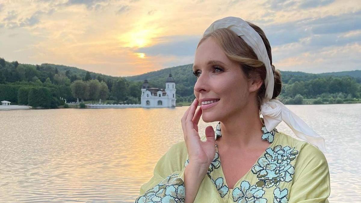 Катя Осадча показала образ у вишитій сукні за 76 тисяч гривень: фото