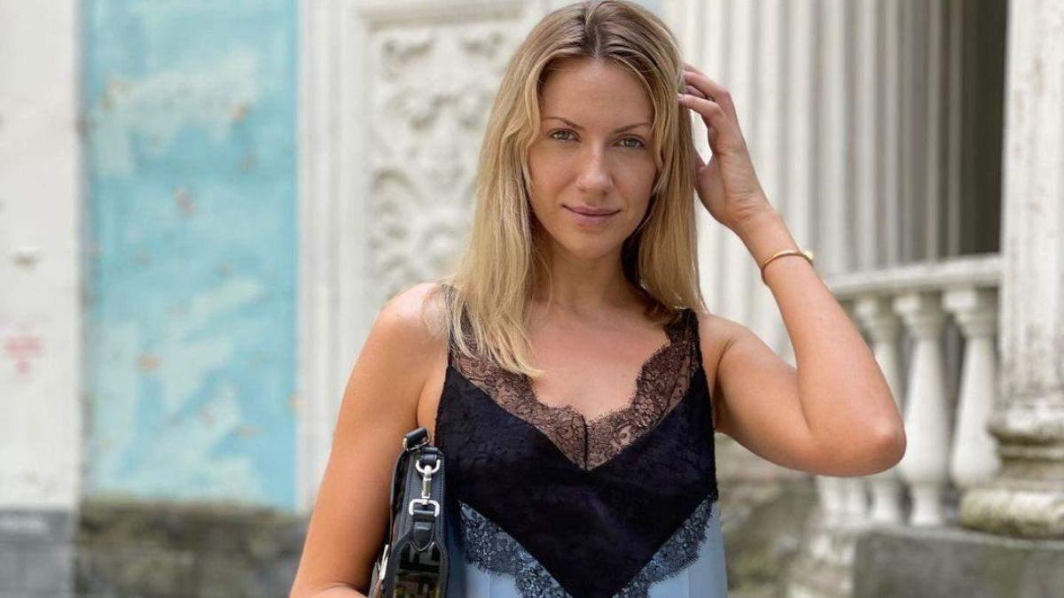 Леся Никитюк показала нежный образ: фото в платье и без макияжа