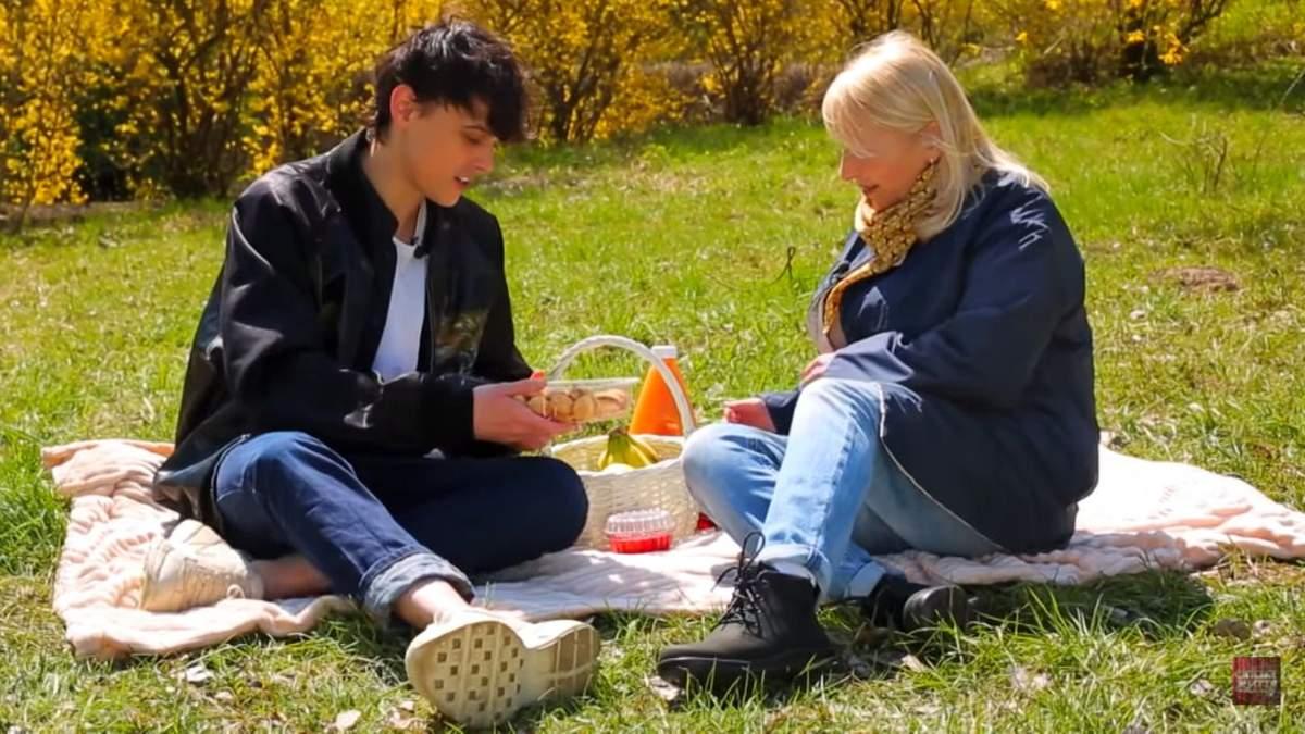 Мама Alekseev прокомментировала его роман с солисткой ВИА Гры