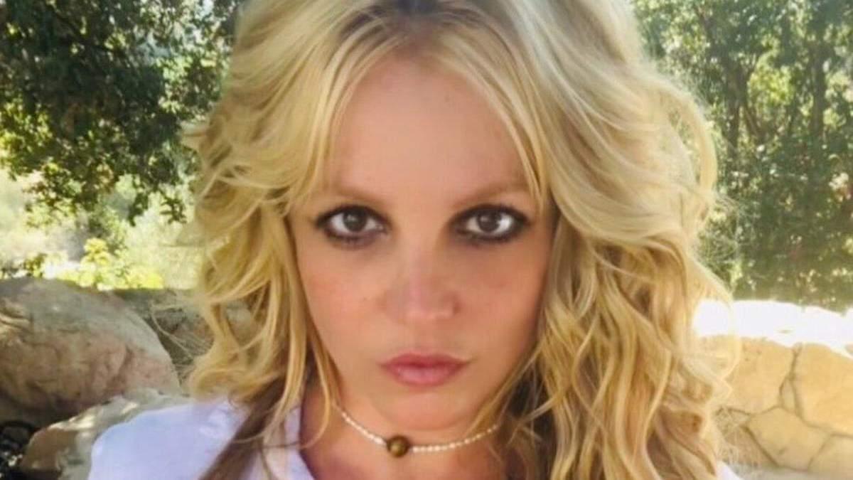 Бритни Спирс поели наркотиками и противозачаточными
