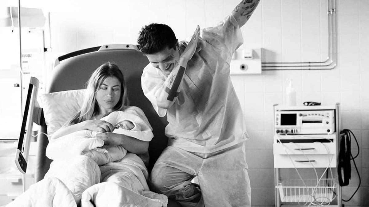 Анатолій Анатоліч став батьком втретє: перше фото малюка