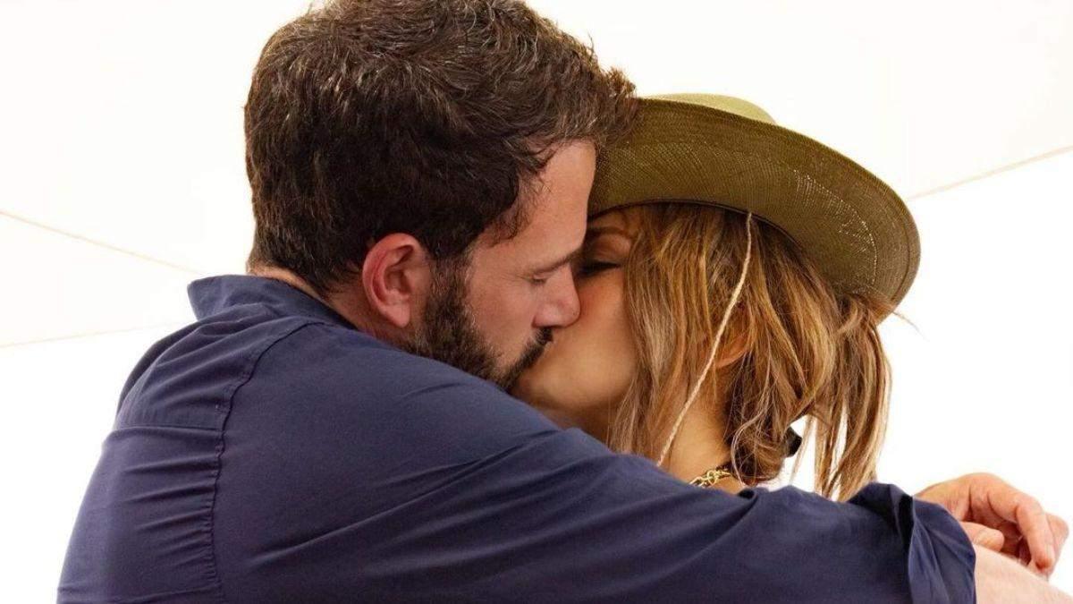 Дженніфер Лопес і Бен Аффлек відпочивають у Франції: фото