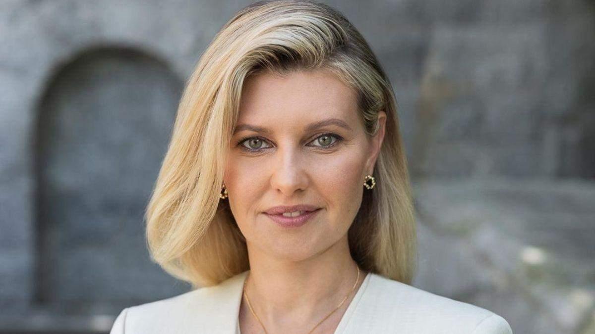 Олена Зеленська опублікувала нове портретне фото: ніжний образ
