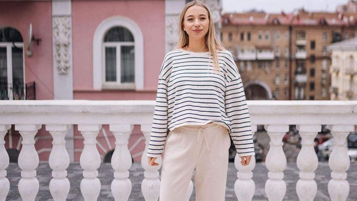 Катерина Реп'яхова через півтора місяця після пологів в бікіні: фото