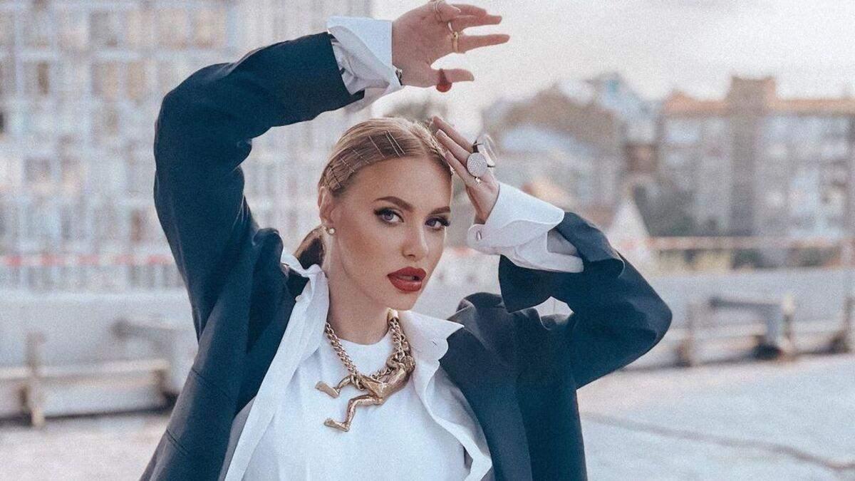 Слава Камінська виступила з першим сольним концертом: ефектний образ