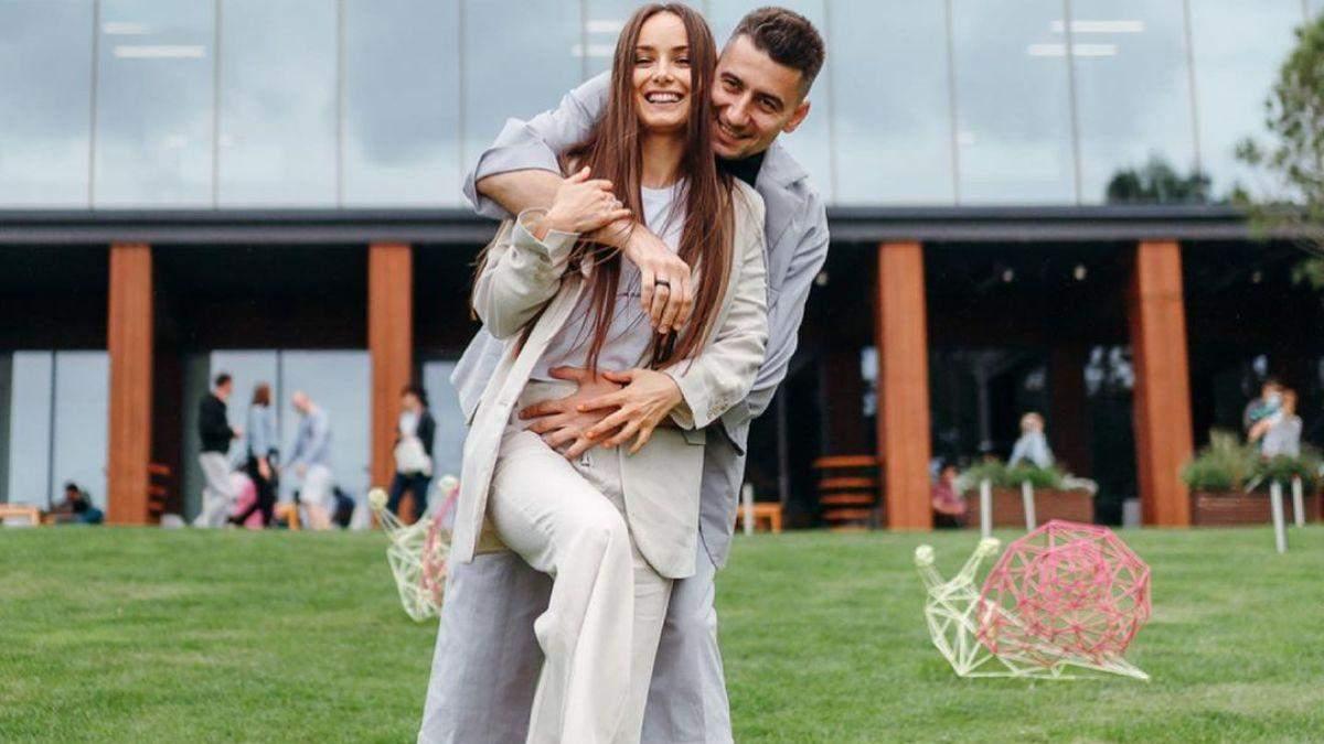 Ксения Мишина и Александр Эллерт интригуют воссоединением: история звездной пары в фото