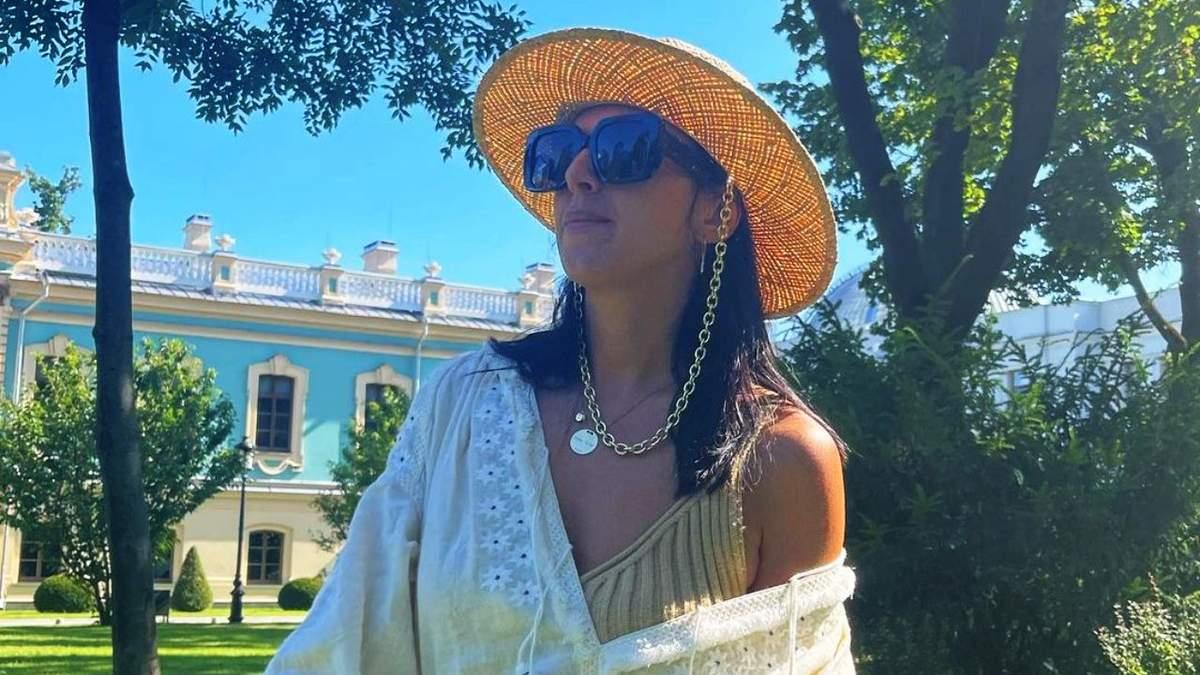 Джамала одягнула розкішну вишиту сукню Віти Кін в ценрі Києва: фото - Новини Києва - Showbiz