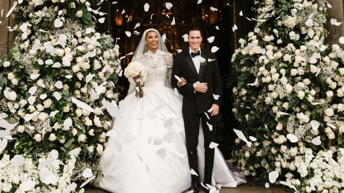 Модель Victoria's Secret Жасмин Тукс вийшла заміж: помпезні фото з весілля - Showbiz