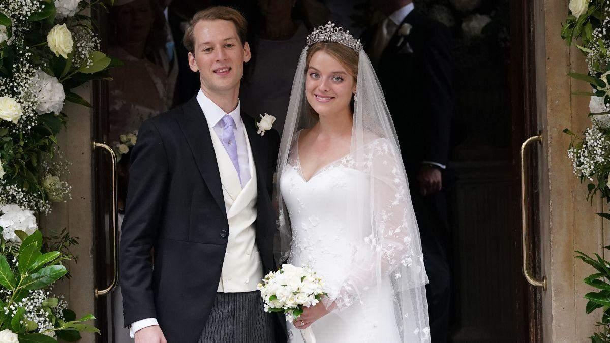 Онука британської принцеси Олександри вийшла заміж: фото королівського весілля - Новини шоу-бізнесу - Showbiz