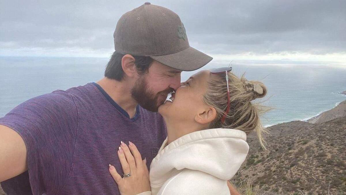 Актриса Кейт Хадсон обручилась с бойфрендом: романтическое фото