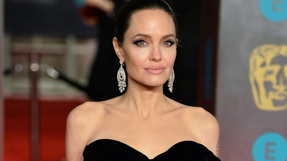 Анджеліну Джолі заскочили на побаченні з колишнім чоловіком - Новини шоу-бізнесу - Showbiz