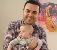 Григорий Решетник очаровал фото с самым младшим сыном