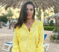 Наталка Карпа очаровала ярким образом в лимонной платья: фото из Египта