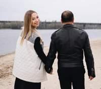Вагітна дружина Віктора Павліка захопила новою фотосесією з коханим