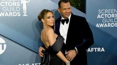 Дженніфер Лопес розійшлась з нареченим: найефектніші виходи експари