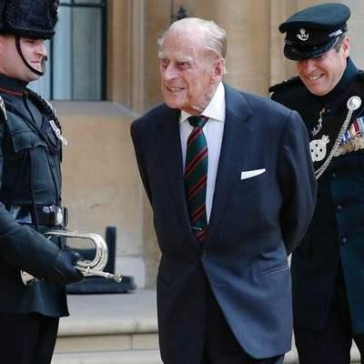 Після двох тижнів лікування: принца Філіпа перевели в іншу лікарню