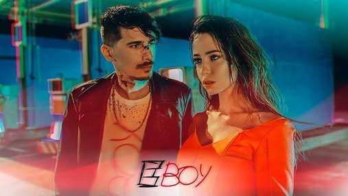"""Гурт """"Время и Стекло"""" випустив провокативний кліп на пісню """"Е, Бой"""": гаряче відео"""