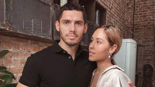 Нікіта Добринін показав чуттєве фото з дружиною