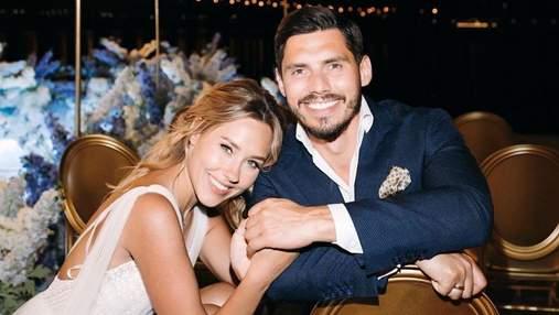 Даша Квиткова очаровала сеть фотографией с мужем