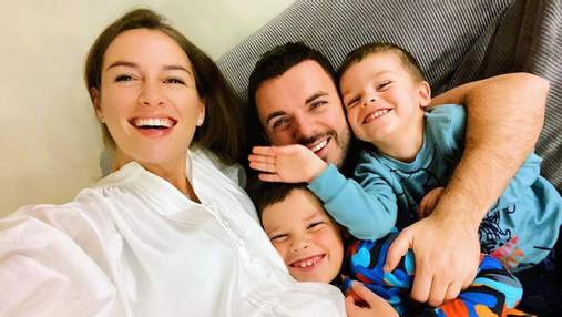 Григорій Решетник підкорив  різдвяним фото з дружиною і трьома синами: милий кадр