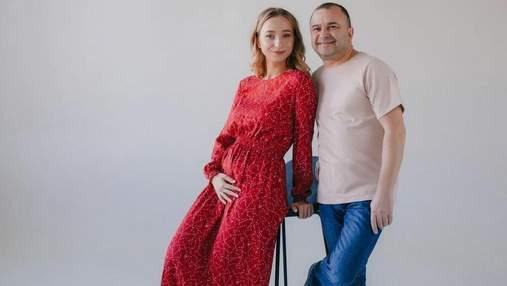 Дружина Віктора Павліка вагітна первістком: миловидні фото з чоловіком