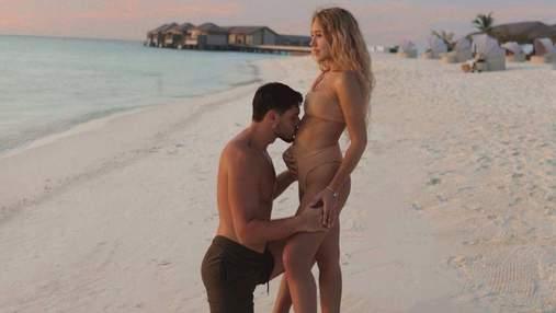 Даша Квиткова очаровала сеть романтичным фото с мужем
