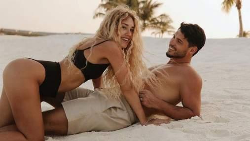 На пляжі: Нікіта Добринін показав пікантне фото з вагітною дружиною