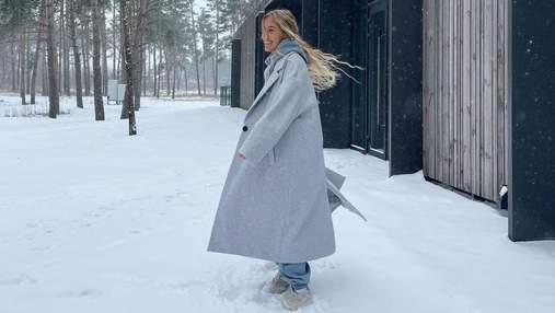 В сером пальто: Даша Квиткова показала стильный зимний образ –  фото